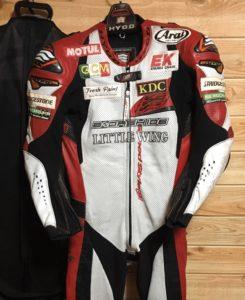レースングスーツの写真