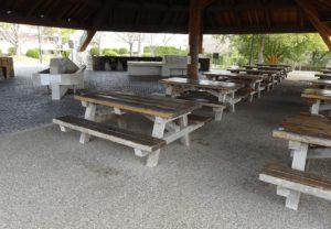 第1炊飯場のベンチ