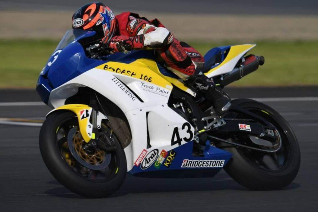 バイクレース スポンサー